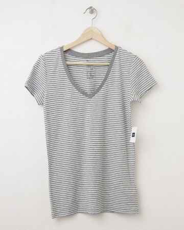 NEW Gap Women's The Essential Stripe V-Neck Tee T-Shirt in Grey Stripe