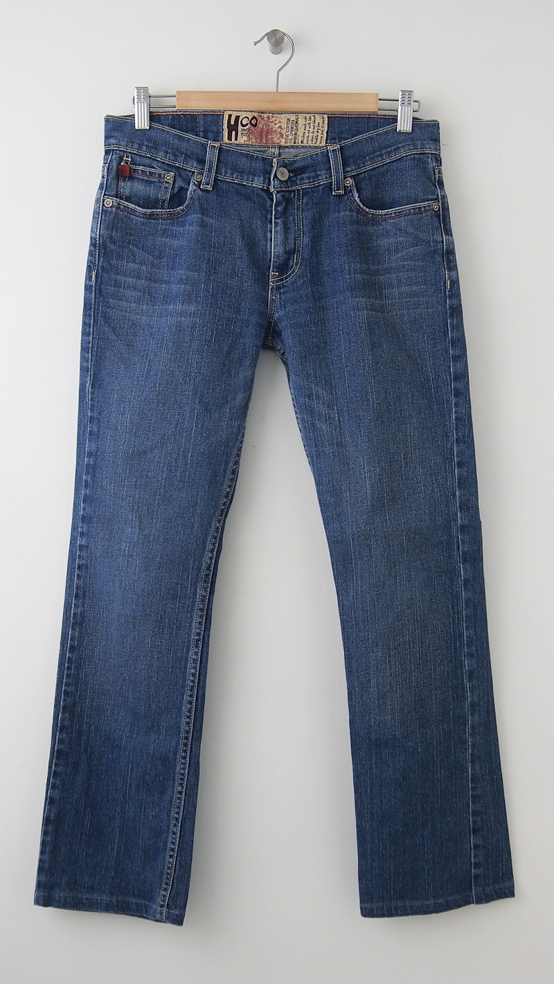 Product Features Low rise Skinny jeans with a destroyed medium-dark indigo wash.
