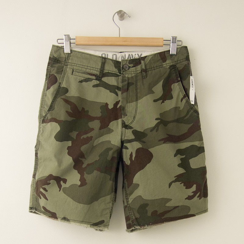 NEW Old Navy Cut Off Shorts in Green Camo Men's 28