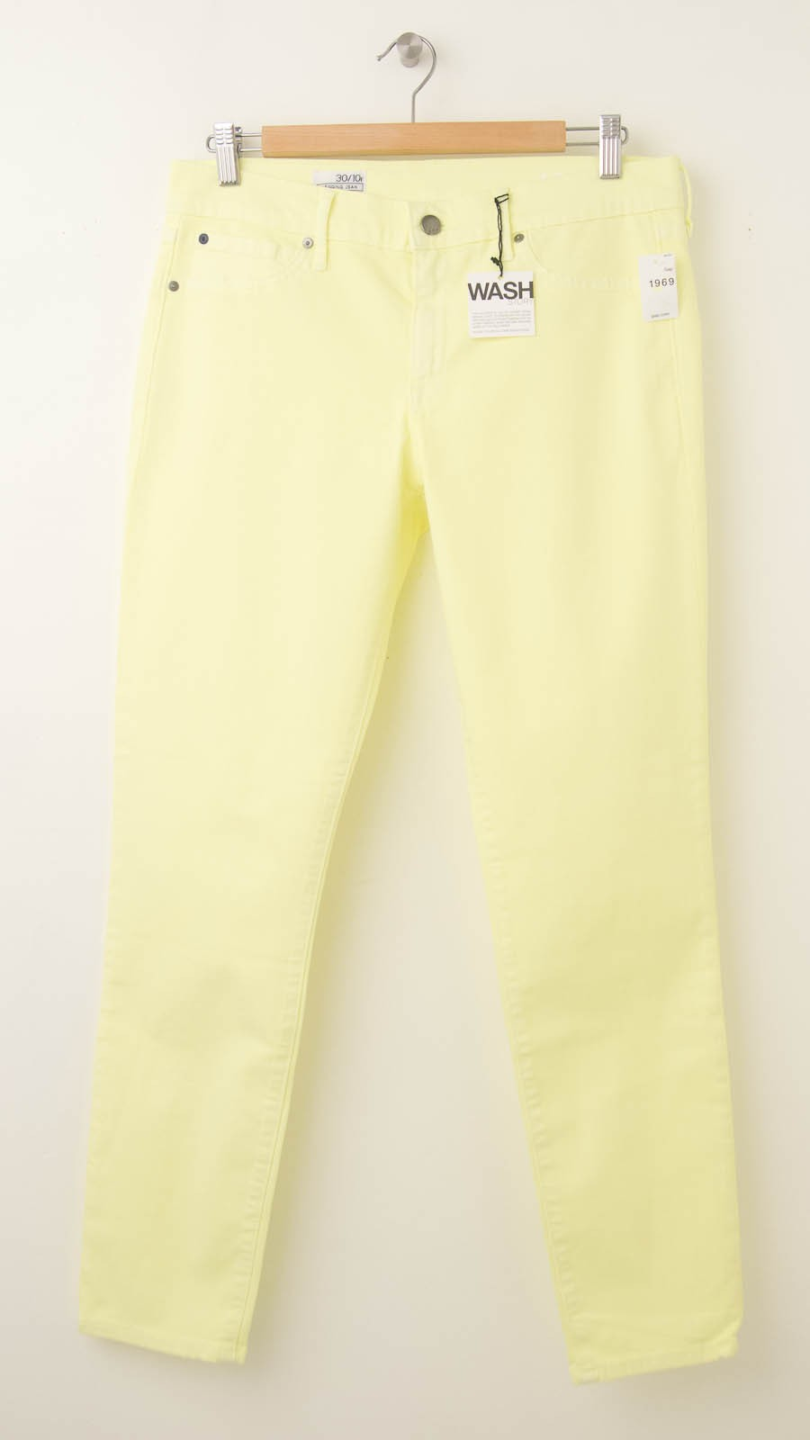 c2e5af1df6dcf NEW Gap 1969 Legging Skimmer Jeans in Neon Yellow