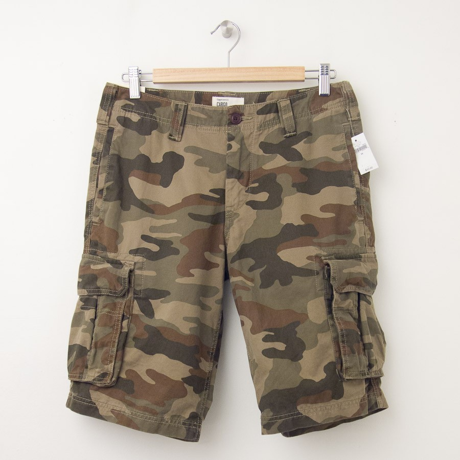58974a902b NEW Gap Camo Cargo Shorts in Green Camo (11
