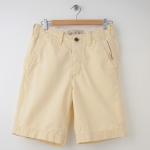 Hollister Khakis/Chinos Shorts Men's Size 28