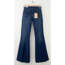 NEW Levi's 6 Pocket Flare Jeans