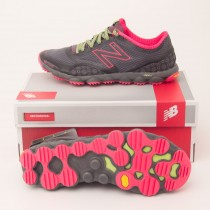 New Balance Women's Minimus 1010 Trail Running Shoe in Grey WT1010GP