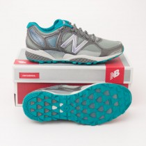 New Balance Women's 1110 Stability Trail Running Shoe in Grey WT1110R