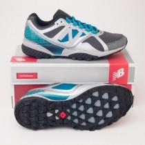 New Balance Women's 915 Stability Trail Running Shoe in Silver WT915SC