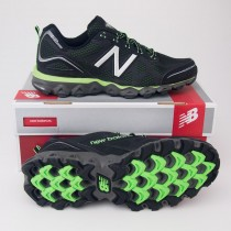 New Balance Men's 710v2 Trail Running Shoe MT710BG2 in Black