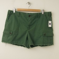 NEW Gap Women's Frayed Cargo Shorts in Jungle Green