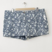 NEW Gap Sunkissed Floral Chambray Short Shorts in Dark Chambray