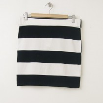 NEW Gap Rugby Skirt in Black Stripe