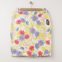 NEW Old Navy Twill Pencil Skirt in Multi Floral