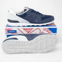 New Balance Women's Re-Engineered 696 Classic Running Shoes WL696KP in Navy