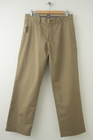 NEW Gap Men's Wrinkle Resistant Relaxed Fit Classic Khakis Pants