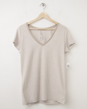 NEW Gap Women's The Essential Stripe V-Neck Tee T-Shirt in Oatmeal Stripe