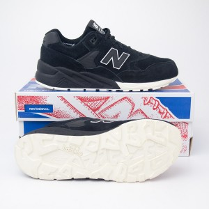 New Balance Men's 580 Tonal Pack Running Shoe MRT580BV in Black