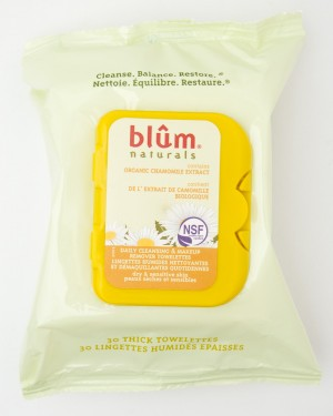 Blum Naturals Organic Chamomile Extract Daily Cleansing & Makeup Remover 30 Thick Towelettes