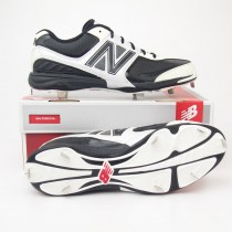 New Balance 4040 Low Cut Baseball Cleats MB4040WL in White with Black